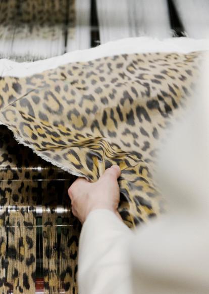 Процесс создания жакета Bar, Christian Dior