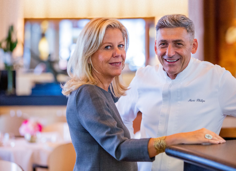 Управляющая ресторанаLe Relais Plaza Мари Соважишеф-повар Филипп Марк