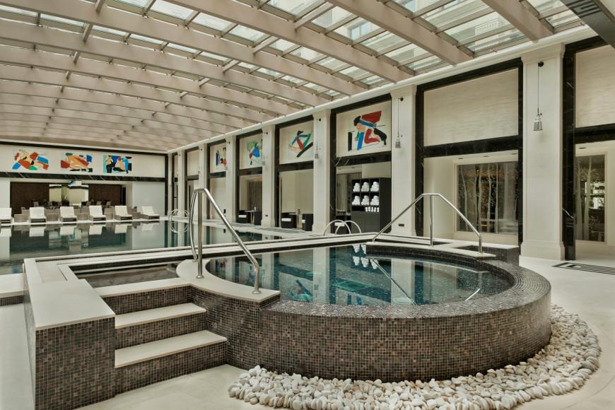 Зона бассейна Amnis Spa, Four Seasons Hotel Moscow