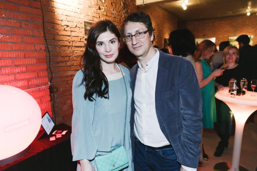 Виктория Бейлис (основатель pop-up галереи Secret Art) и Владимир Фролов( галерист, Frolov Gallery)