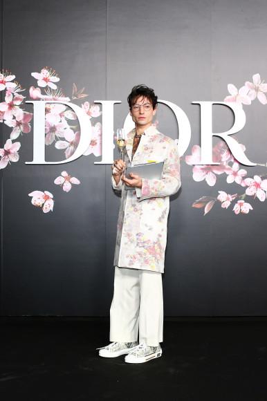 Эзра Миллер на Dior Men's Show