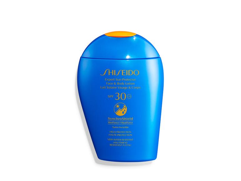 Солнцезащитный крем для лица Expert Sun SPF30+, Shiseido. Формула содержит новую защитную технологию SynchroShield, которая активируется на солнце и при контакте с водой, усовершенствованную формулу WetForce, усиливающую действие средства при контакте с водой и потом, а также формулу Triple Block, работающую против фотостарения и тусклости кожи за счет растительных экстрактов и комплексов Profense CEL и NatureSurge. Средство выпущено в рамках программы Shiseido Blue Project по защите окружающей среды.