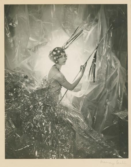«Нэнси Битон в образе падающей звезды», 1929 год