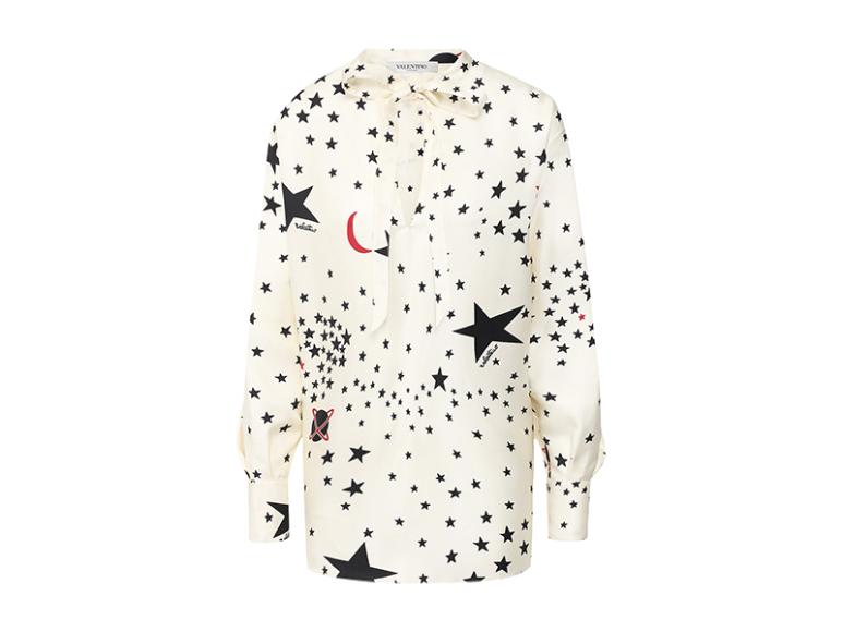 Блуза Valentino, 99 500 руб. (Третьяковский проезд)