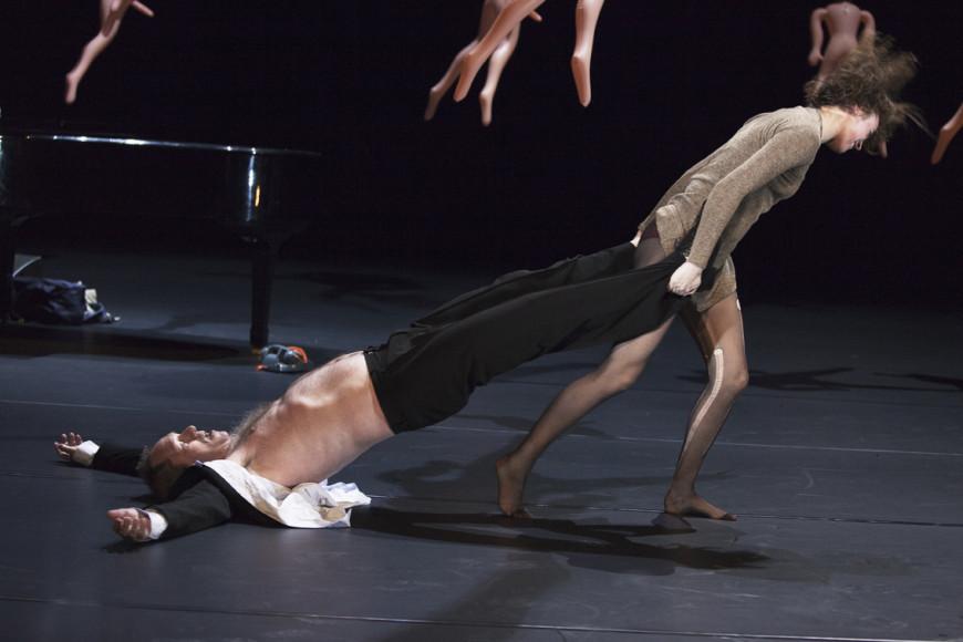Сцена из спектакля «Год рака»
