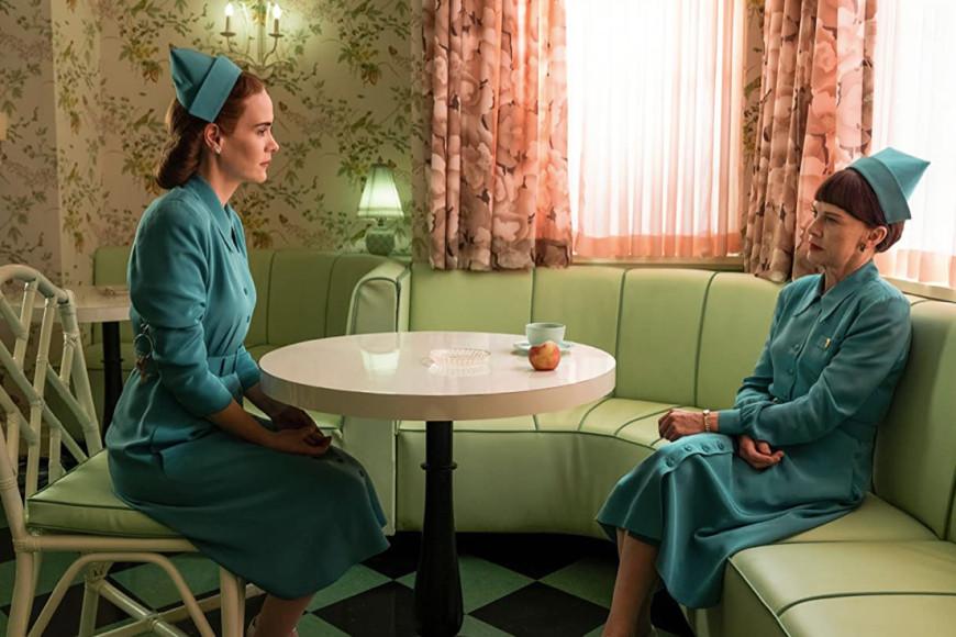 Кадр из сериала «Сестра Рэтчед»