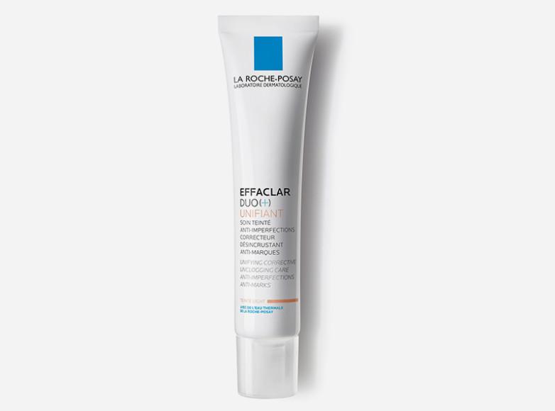 Чтобы заметно уменьшить покраснения проблемных зон, тонирующему крему Effaclar Duo Unifiant, La Roche-Posay нужны сутки, на сокращение акне уйдет 8 дней и через 4 недели можно рассчитывать на чистые поры и более ровную текстуру кожи. На видимое решение проблем время можно не закладывать — маскирует недостатки он мгновенно