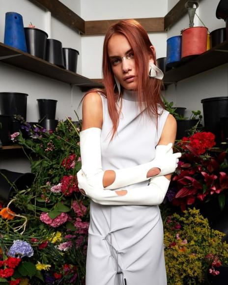 Дырявые перчатки Off-White из коллекции сезона весна-лето 2020