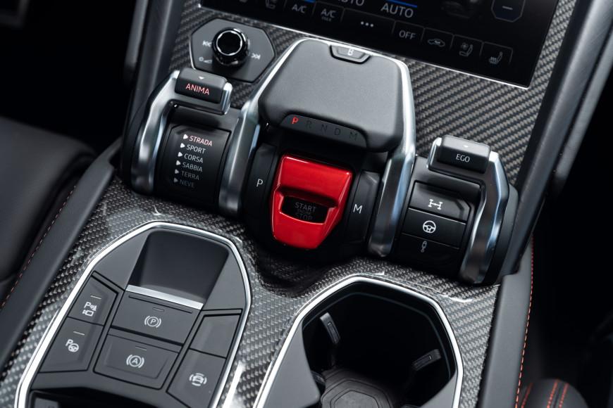 Система управления кроссовера Urus, Lamborghini