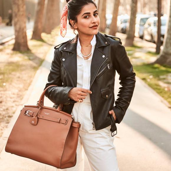Анум Башир с сумкой Ralph Lauren RL50