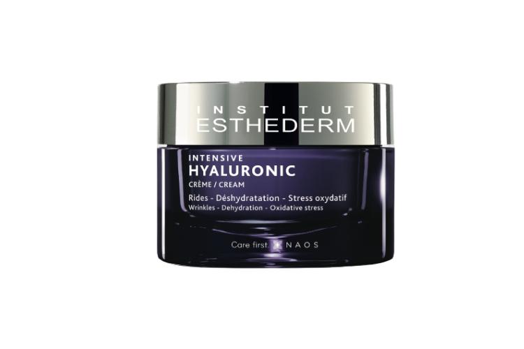 Гиалуроновый крем Intensive Hyaluronic Cream, Institut Esthederm включает три вида гиалуроновой кислоты и запатентованный комплекс «Hyaluronic», который придает ощущение комфорта и мягкости, проникая в глубокие слои кожи и обеспечивая интенсивное увлажнение
