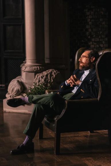 Джакомо Аугульяро в брюках из вельвета Corduroy & Moleskin