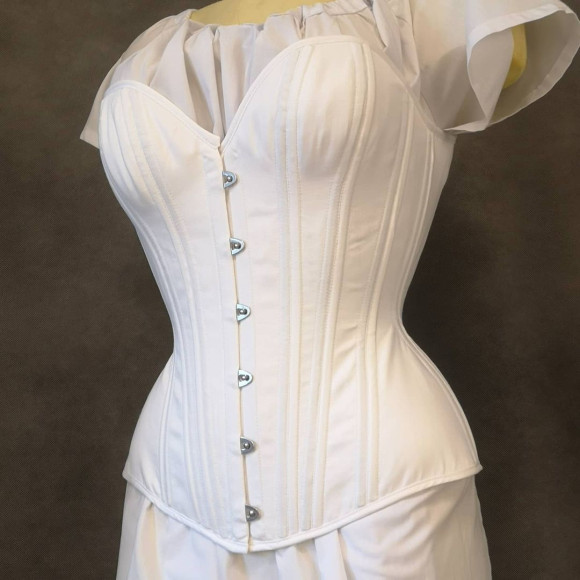 Фото: instagram.com/nemuro_corsets