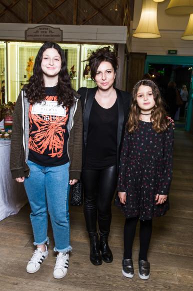 Алиса Хазанова с дочерьми Миной и Эвой