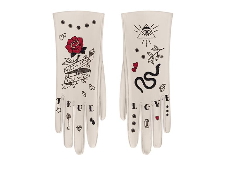 Перчатки Glove me,14 900 руб. (glove.me)