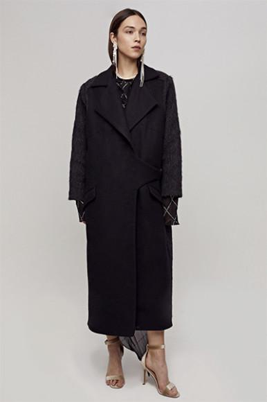 Пальто Saint-Tokyo, 18 000 руб. с учетом скидки (saint-tokyo.com)