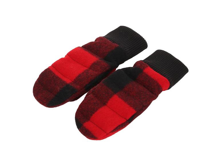 Варежки Woolrich, 12 070 руб. (woolrich.eu)