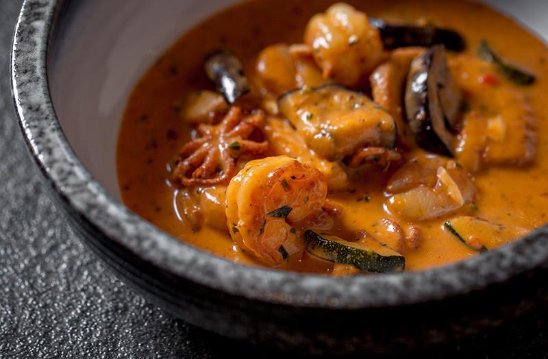 Каччукко, густой суп из морепродуктов