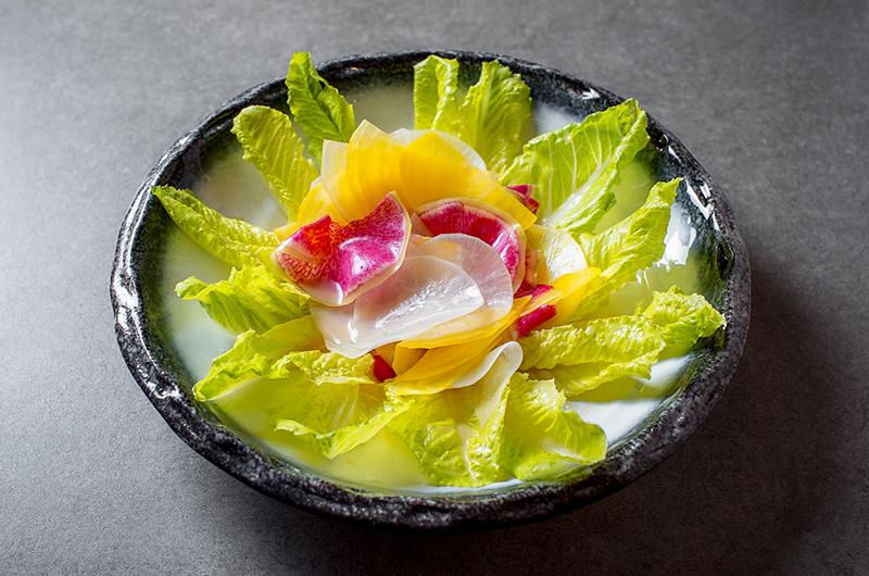 Салат романо с хрустящими овощами