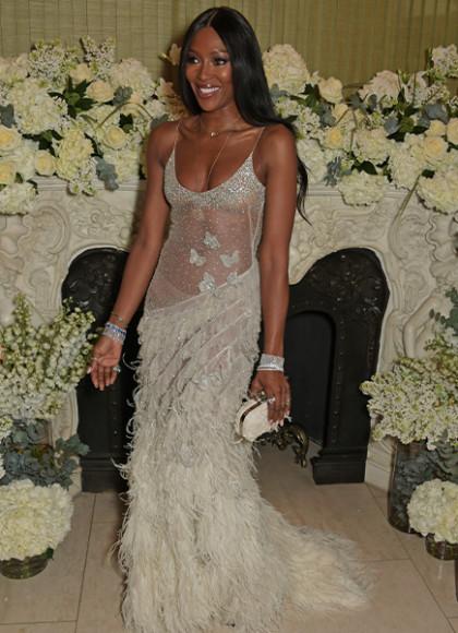 В платье Alexander McQueen на совместной вечеринке британского Vogue и Tiffany & Co., 2019 год