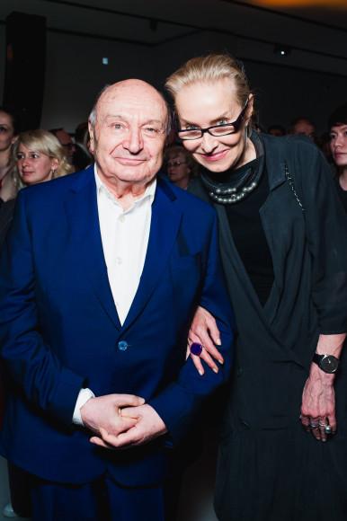 Сатирик Михаил Жванецкий и директор «Мультимедиа арт музея» Ольга Свиблова