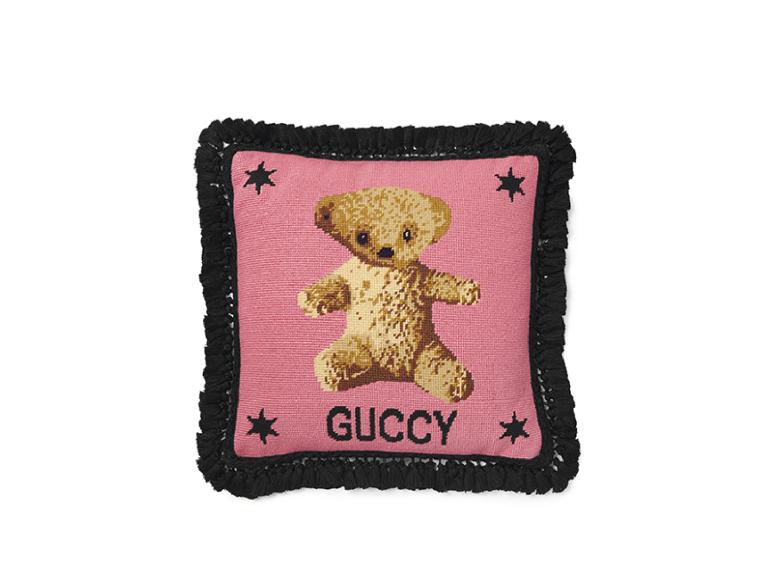 Подушка Gucci, 84 000 руб (BoscoCasa)