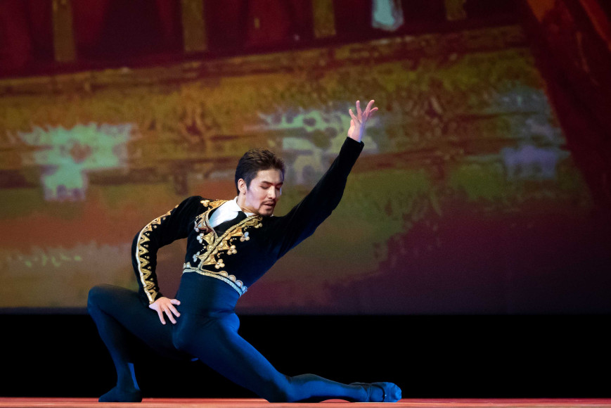 Бактияр Адамжан, премьер театра оперы и балета «Астана Опера»