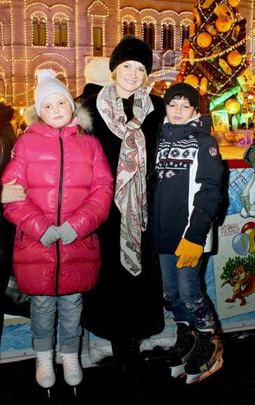 Светлана Хоркина с детьми