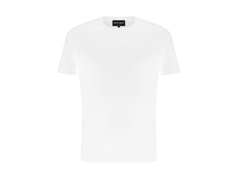 Мужская футболка Giorgio Armani, 31 000 руб. (Третьяковский проезд)