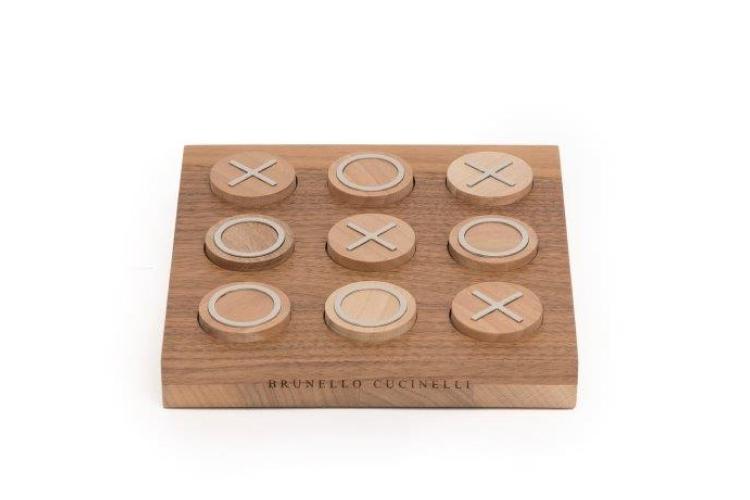 Набор для игры крестики-нолики Brunello Cucinelli, 48 300 руб. (brunellocucinelli.com)