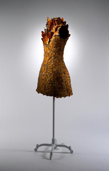Платье Alexander McQueen авторства Сары Бертон, весна-лето 2011