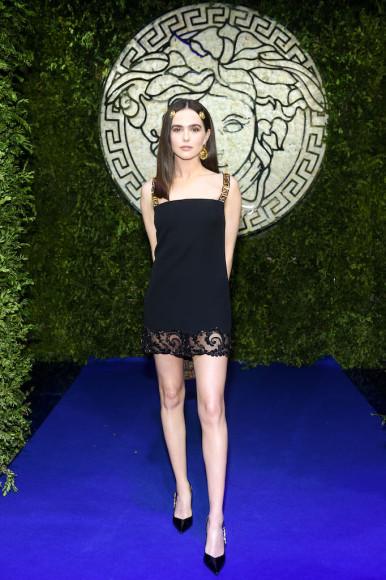 Зои Дойчна показе совместной коллекции Fendi и Versace