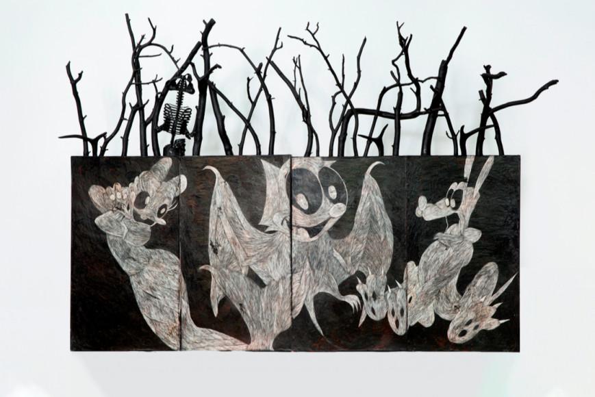 Вадим Михайлов, «Ночью в Диснейленде». Дерево, левкас, масло, акрил, сграффито, ветки, рога оленя, пластиковый скелет