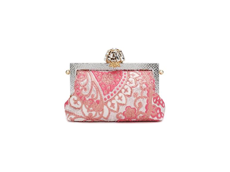 Клатч Dolce & Gabbana, 140 500 руб. (ЦУМ)