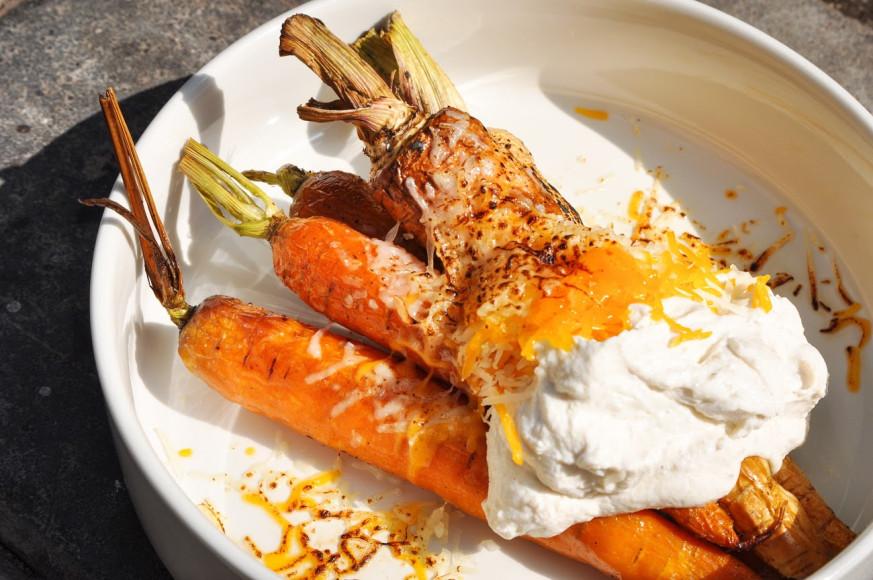 Морковь с пастернаком, лимонной рикоттой, чеддером и пармезаном