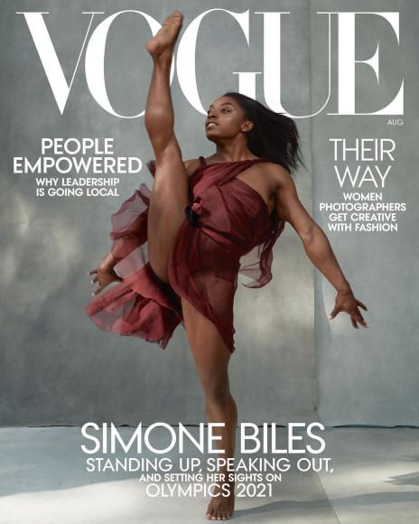 Симона Байлз на обложке американского Vogue, август 2020