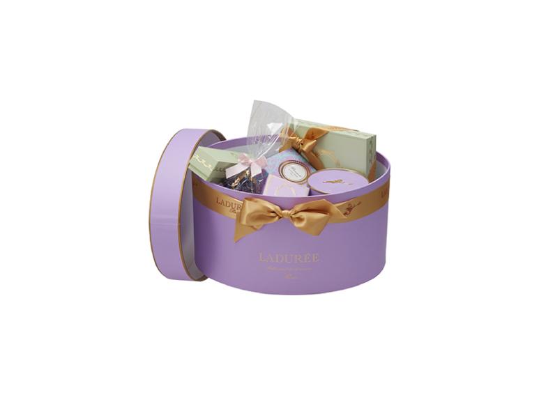 Подарочная коробка Laduree «Империаль», 20450 руб. (Laduree)