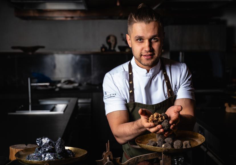 Шеф-ферментологChef's TableВладислав Алексеев приготовит специальный трюфельный сет 22 октября