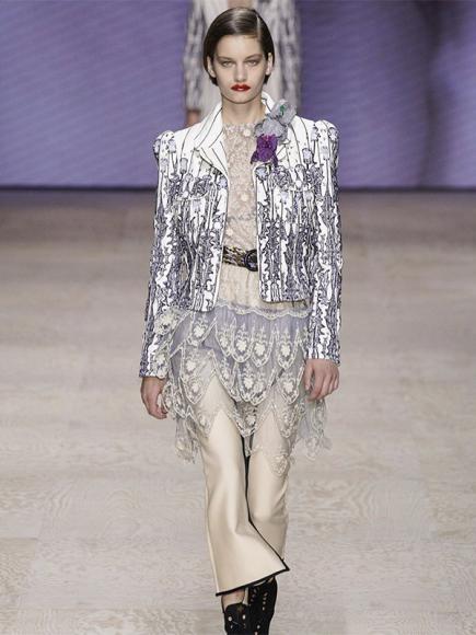 Алина Болотина на показе Louis Vuitton