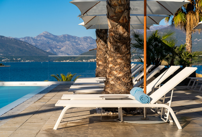 Бассейн Nikki Beach Montenegro