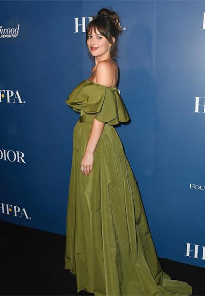 Дакота Джонсон в платье Valentino на вечеринке во время кинофестиваля в Торонто