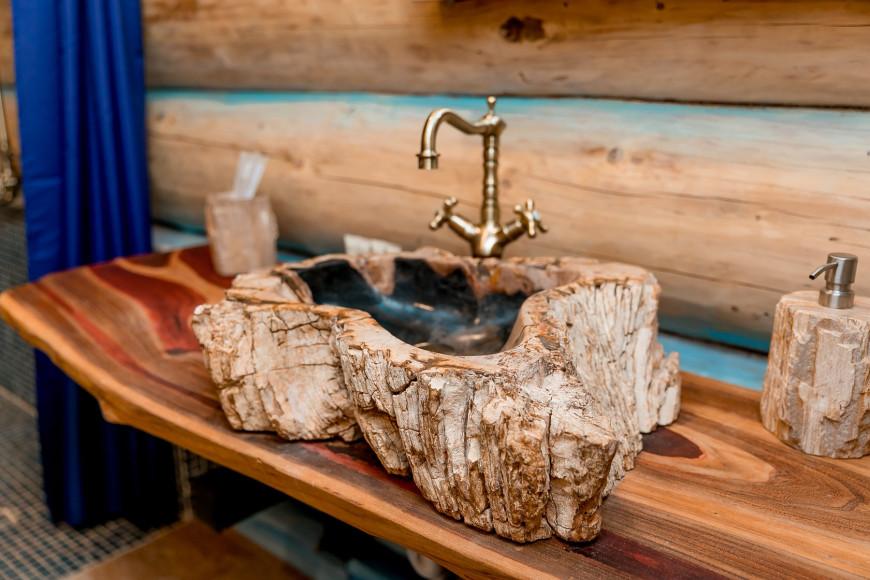 Умывальник в ванной в Морском домике