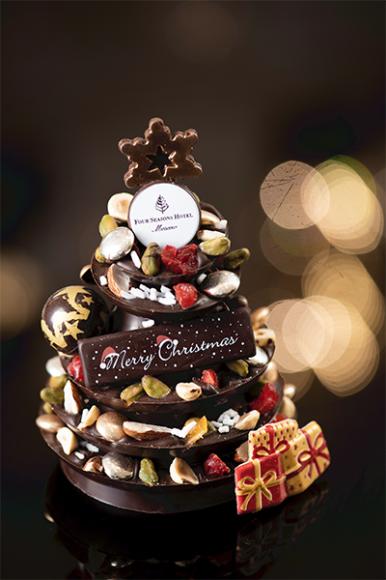 Новогодние сладости в отелеFour Seasons Hotel Moscow