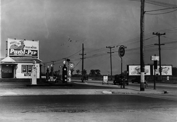 Газолиновая станция. Фотография Ильи Ильфа, 1935 г.