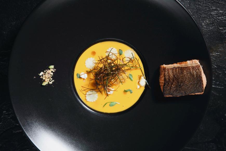 Суп из краснодарской кукурузы с дикой форелью и попкорном
