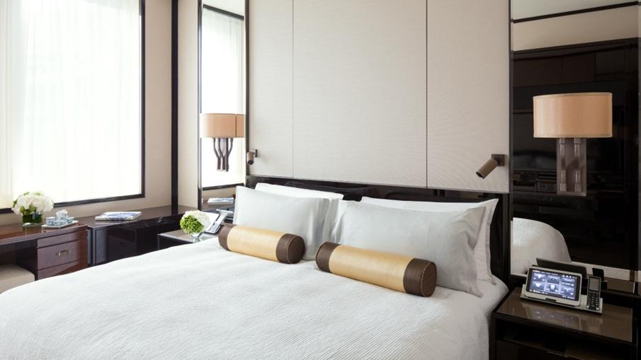 Deluxe Rooms в отеле The Peninsula, Гонконг
