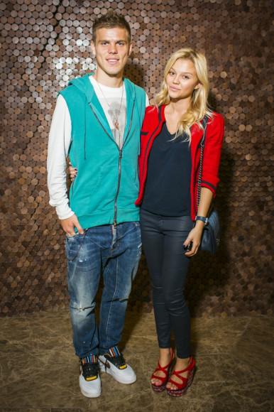 Александр Кокорин (футболист) с девушкой Дарьей Валитовой