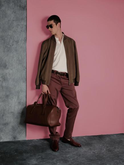 Куртка, поло, брюки, лоферы, дорожная сумка, ремень, очки— все Brioni