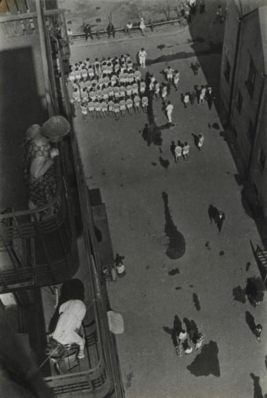 Александр Родченко. «Люди, идущие на демонстрацию», 1928