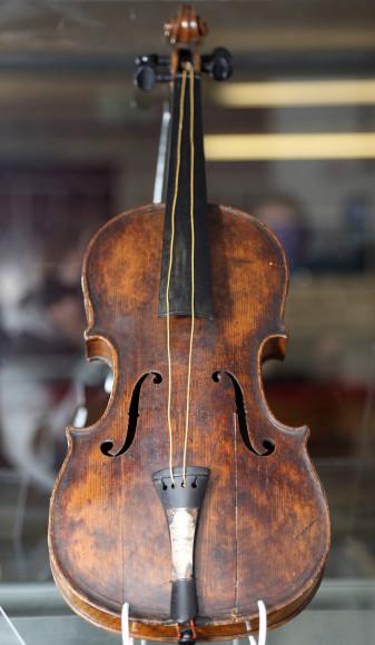Скрипка с затонувшего «Титаника» — $1,7 млн